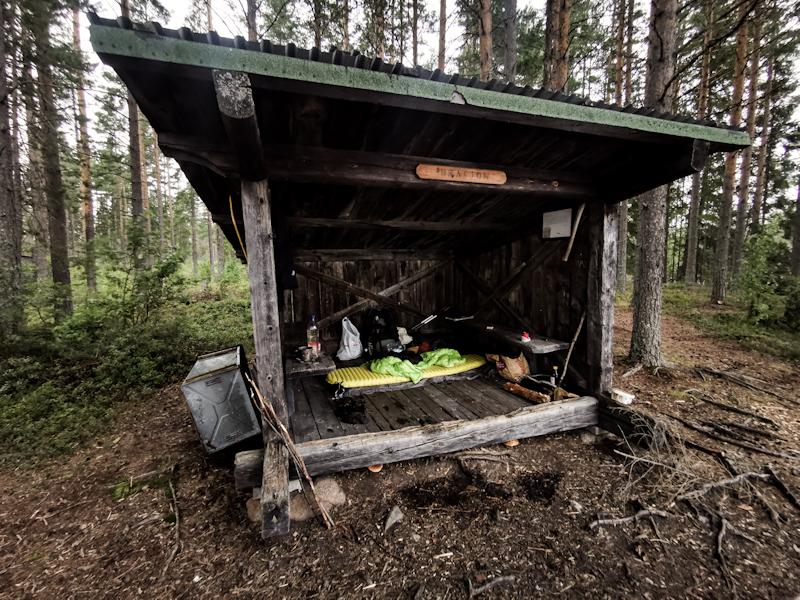 My sleeping place: Brasjön vindskydd