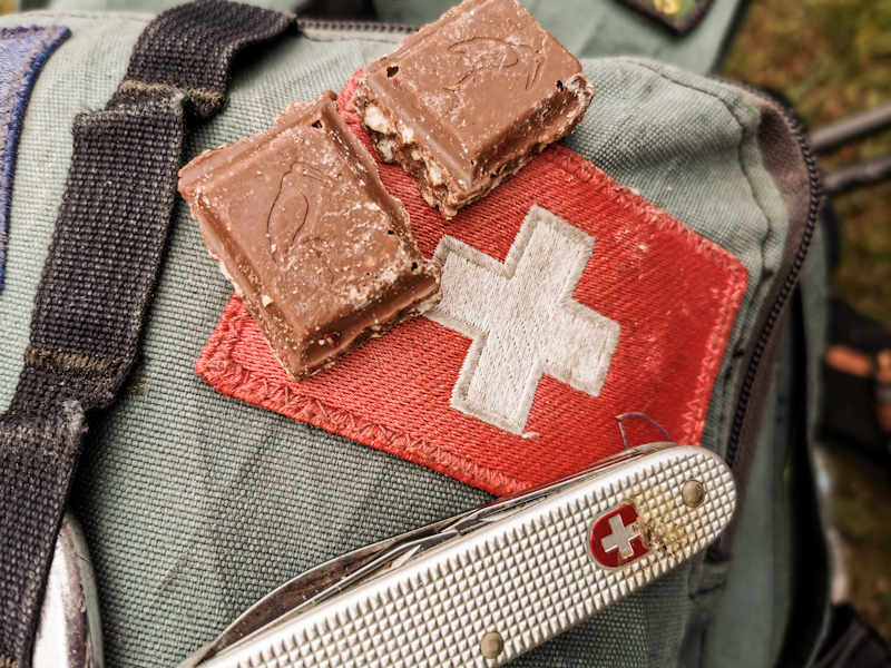 Oh yeah, and happy birthday Switzerland! I know, the flag is not square and the chocolate not Swiss. But at least I didn't forget ;)