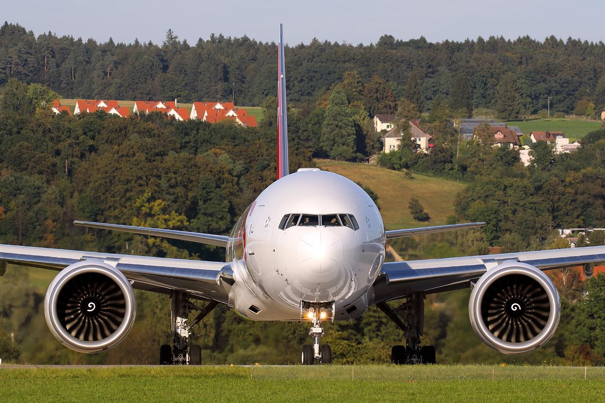 Line-up, Swiss Boeing 777, Zürich-Kloten, Switzerland