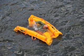 Barrierefreies Einschwimmen und Auslösen der Mittelkammer