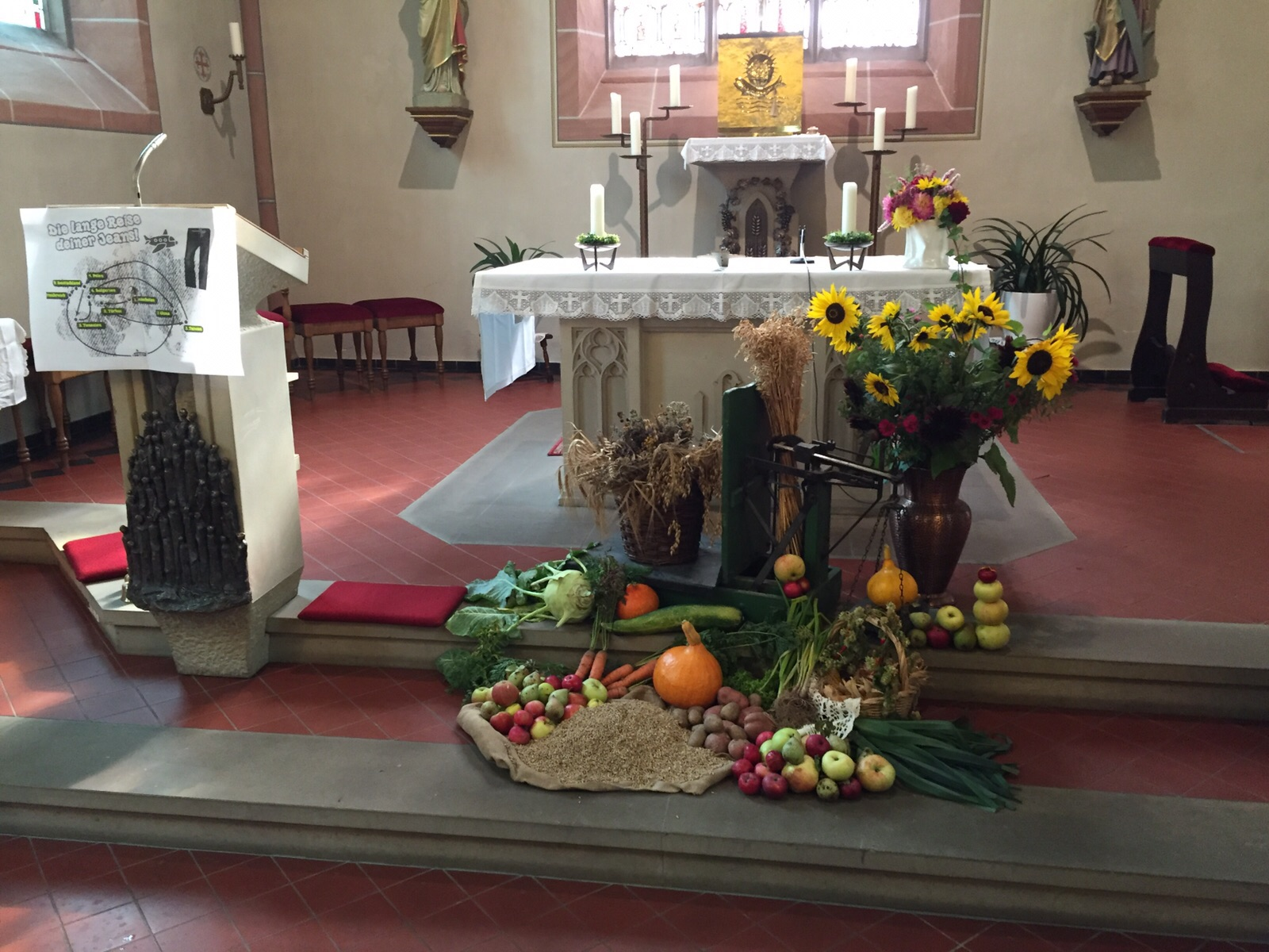 Erntedank-Altar 2015