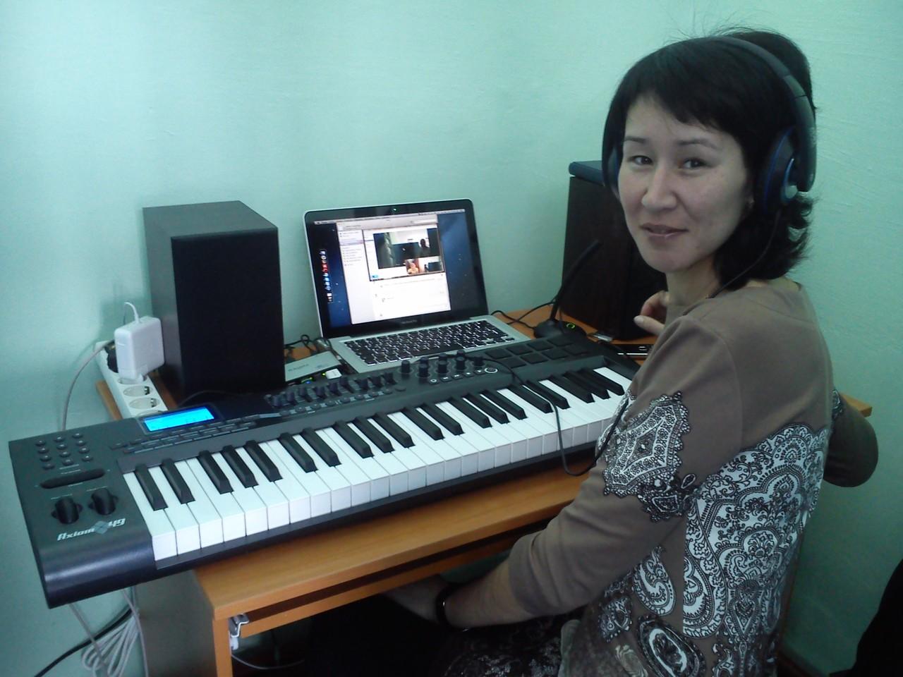Айгуль Салаватовна - учитель музыки