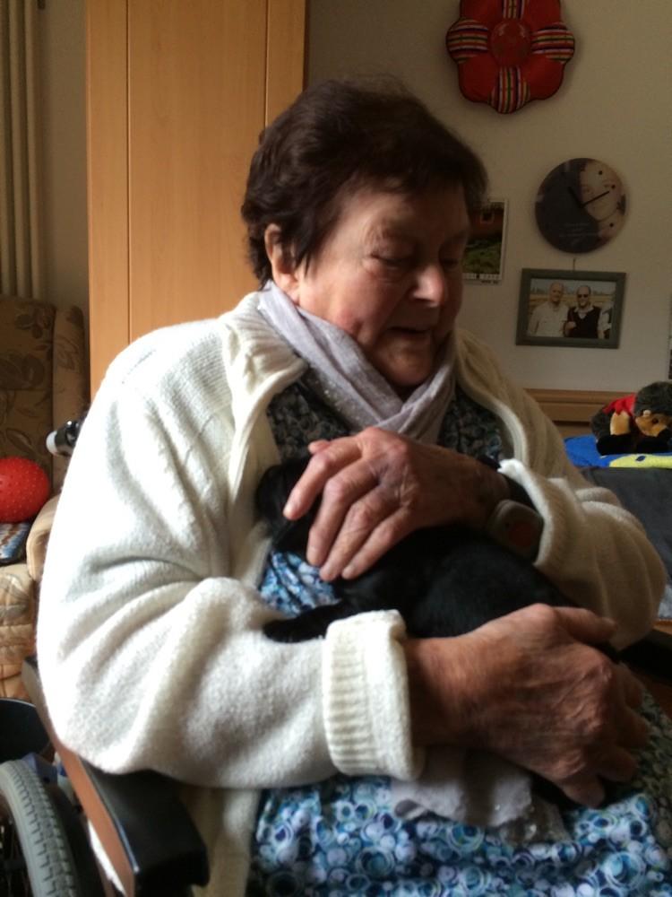 1. großer Ausflug zu Oma ins Altersheim ☀️17.04.2015