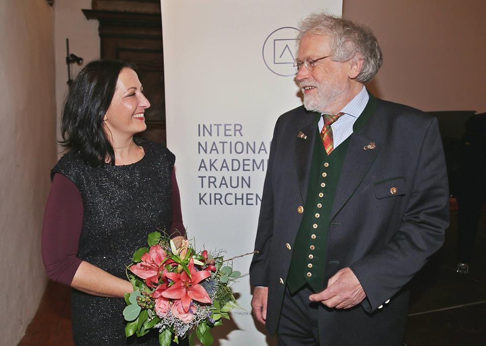 Prof. Dr. Horejs und der Präsident der Internationalen Akademie Traunkirchen, Prof. Anton Zeilinger ©IAK Traunkirchen