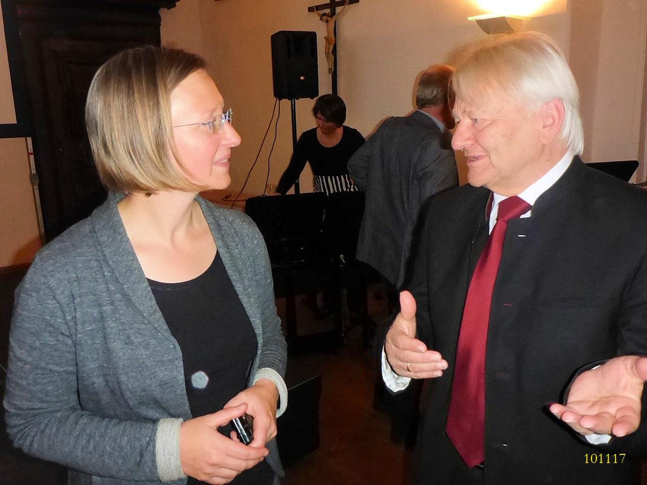 Dr. Kerstin Kowarik und Obmann Mag. Manfred Schindlbauer ©Norbert Leutner