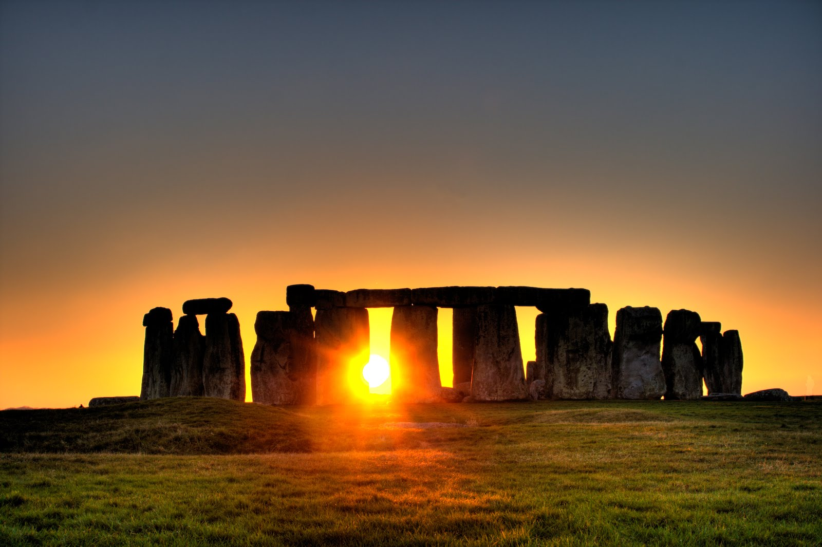 Sonnenaufgang in Stonehenge, Quelle: wikivoyage