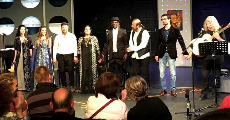 im Mai 2018 in Halle 19 des Schloss Theaters Celle vor etwa 140 Besuchern.