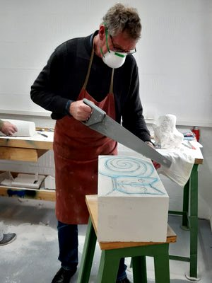 Ateliernutzung   Skulpturales Arbeiten mit Faisal al Hasan   Foto: Teilnehmer Horst Busch   März 2020