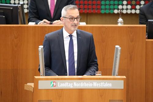 Rede im Plenum