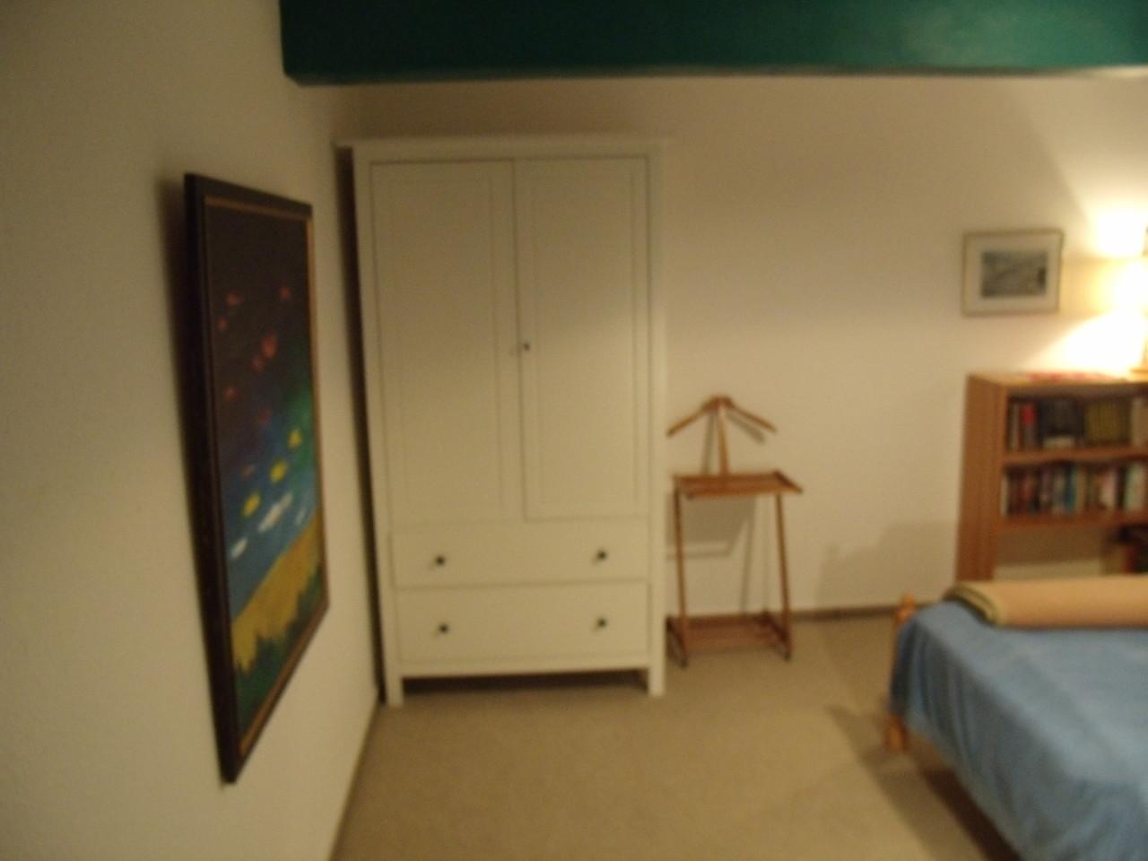 Zimmer oben mit Zustellmöglichkeit eines Kinderbettes