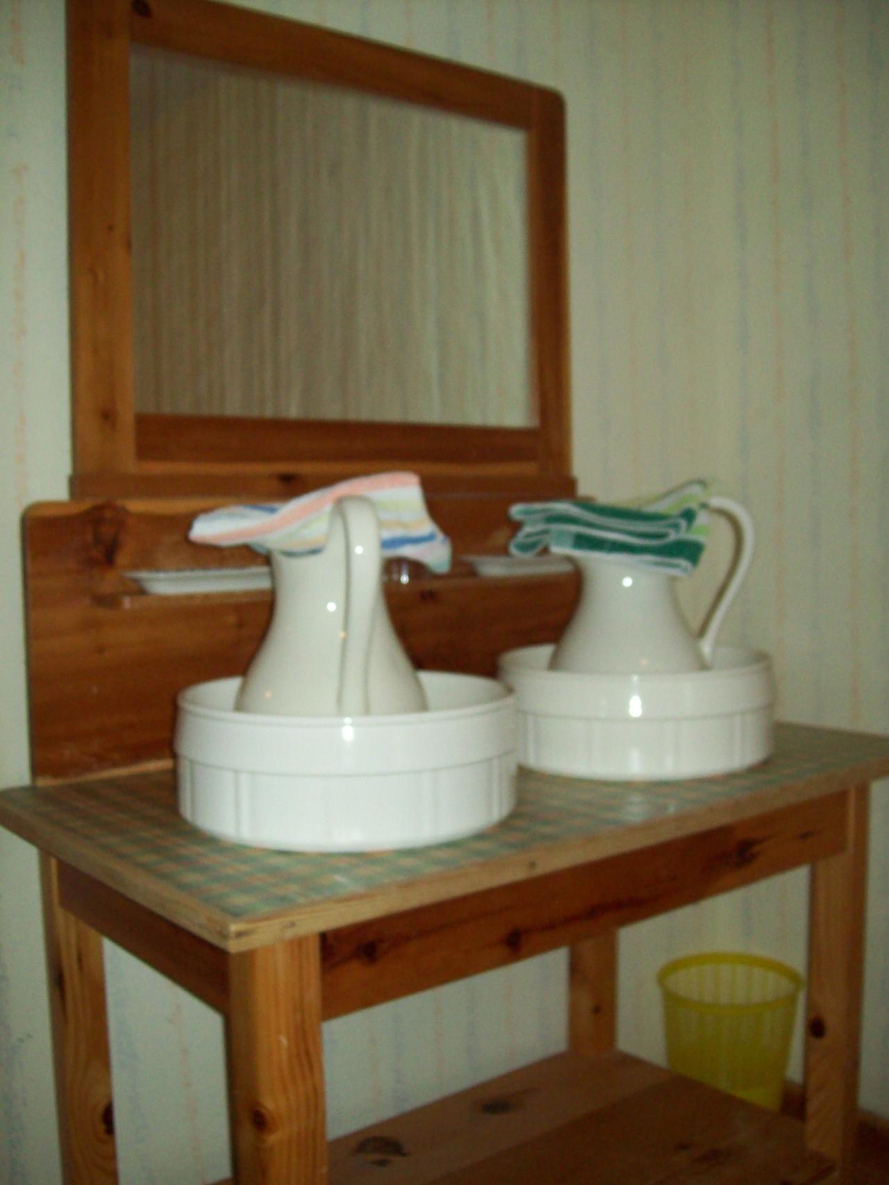 In jedem Zimmer ... ein uriger Waschtisch aus alten Tagen!