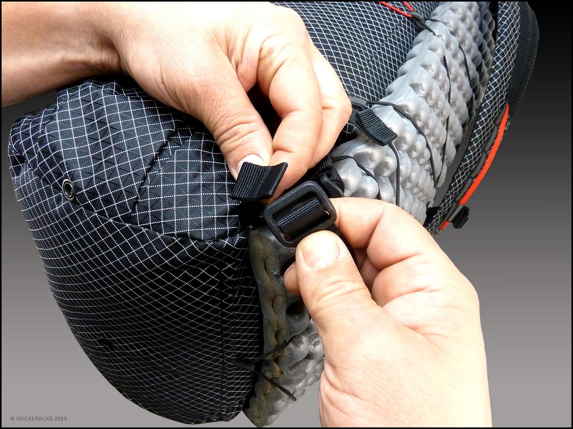 1. Gurtband mit Triglide-Schnalle verbinden.