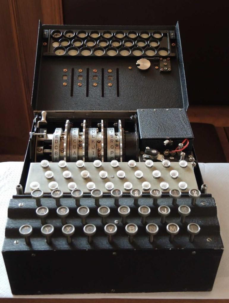 Chiffriermashinen Enigma a 4 rotori, aperta – Germania 1937