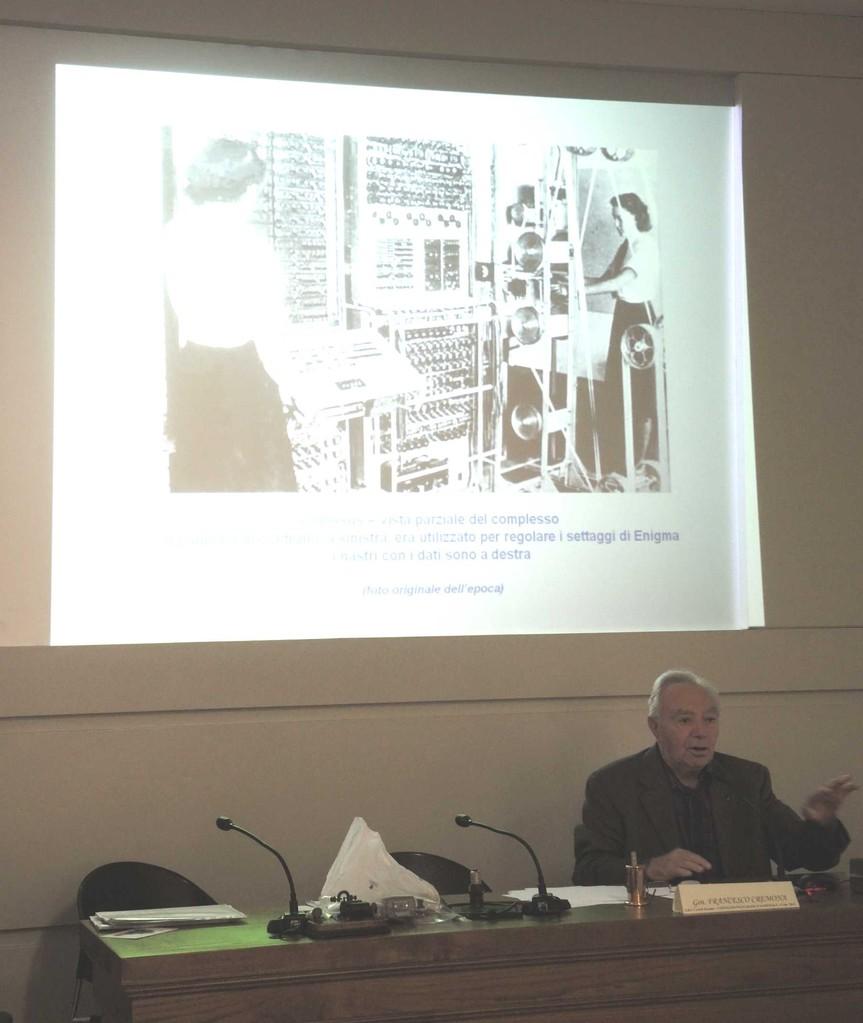 Il Gen. Francesco Cremonapercorre la storia dagli albori della telegrafia alle comunicazioni criptate