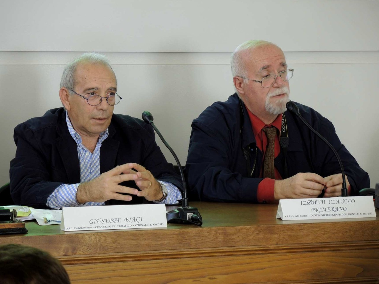 Giuseppe Biagi e Claudio IZ0HHH nell'intervento sull'Ondina e la Tenda Rossa