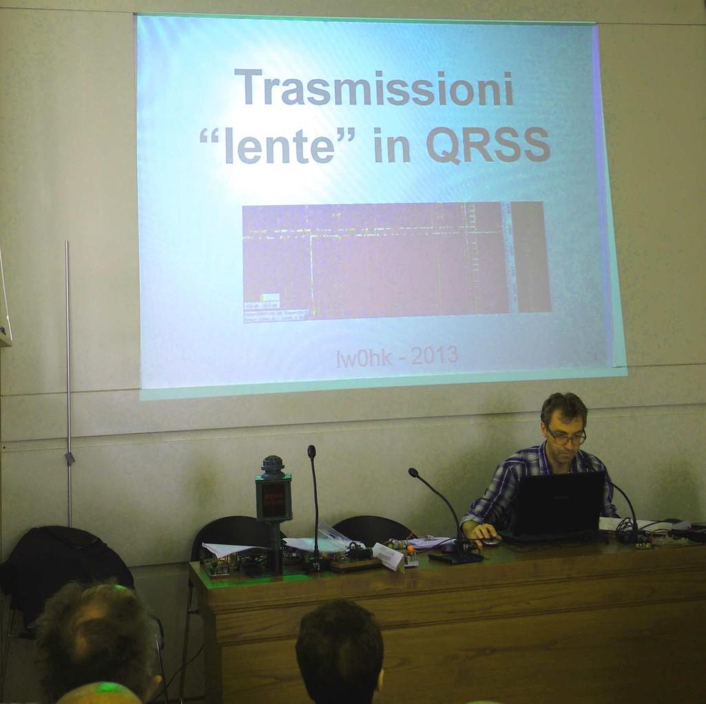 Andrea IW0HK durante il suo intervento sul QRSS