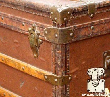 Louis Vuitton mail trunk brass corner