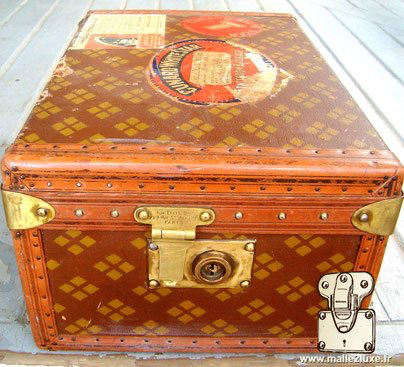 malle aux états unis 229 rue st honoré Paris valise