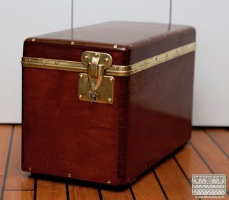 no corner on the vuitton wooden trunk