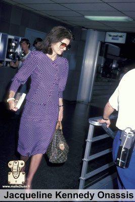Jacqueline kennedy aime les malles louis vuitton