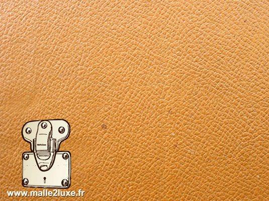 Vuittonite grain chagrin louis vuitton malle uni