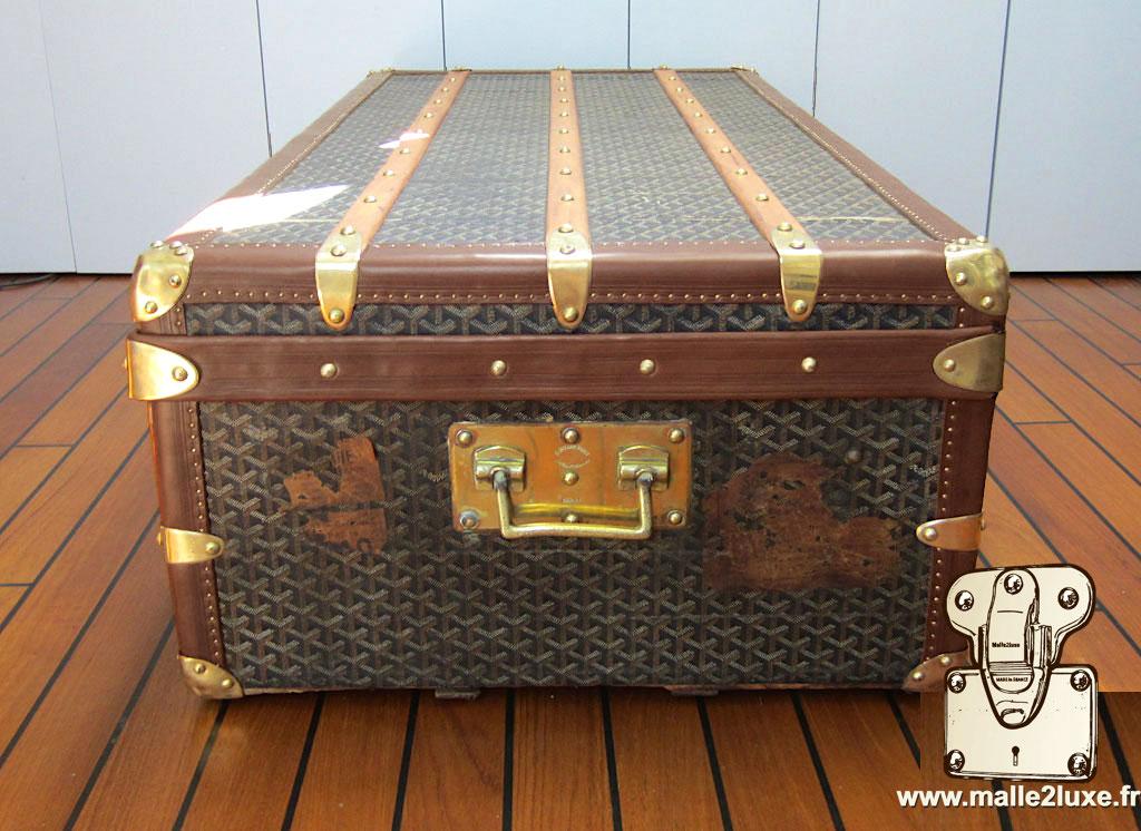 coté de malle etiquette ancienne Louis Vuitton