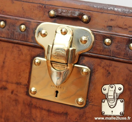 Louis Vuitton patent filing old trunk lock vintage