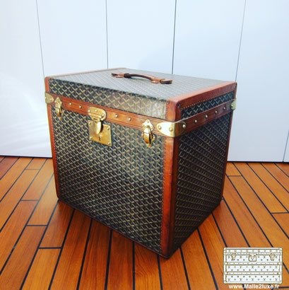 Sell your Goyard hat trunk quickly and easily 900 euros