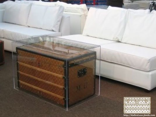 trunk Louis Vuitton decoration table