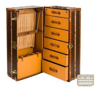 malle armoire vuitton ancienne