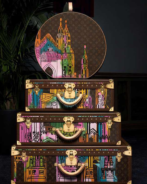 MODERN CUSTOMIZATION Louis Vuitton trunk