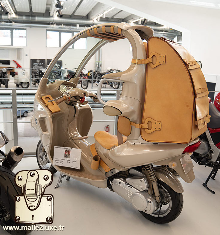 Scooter BMW designed by Louis Vuitton
