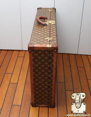 valise bisten vuitton fermé