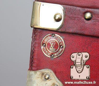 Plaque Louis Vuitton trunks car