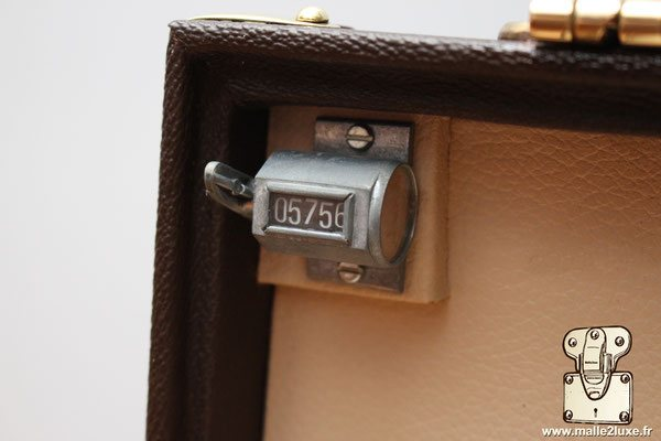 Valise Louis Vuitton pour agent secret