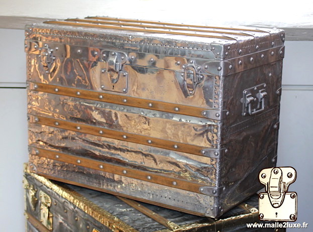 very large louis vuitton trunk