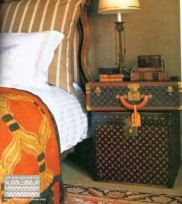 trunk Louis Vuitton decoration bed