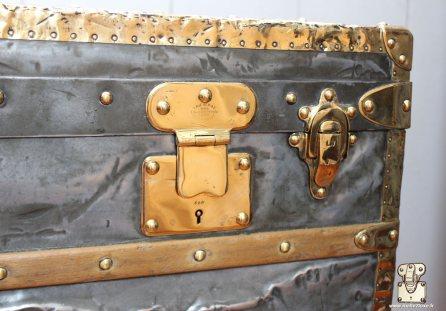 Louis vuitton brass lock repair