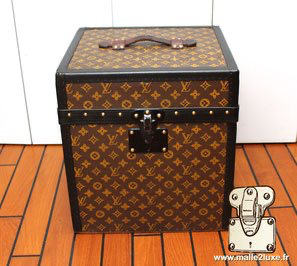 Lock without inscription Louis Vuitton hat box
