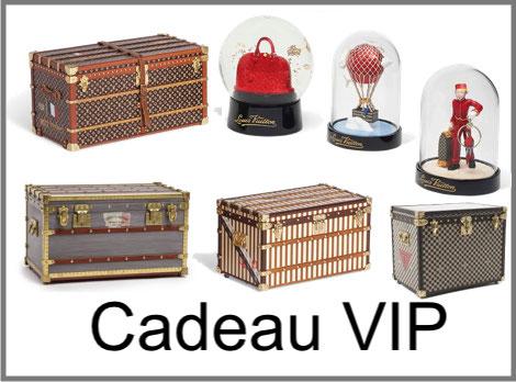 cadeau vip Louis Vuitton mini malle, boule a neige et presse papier