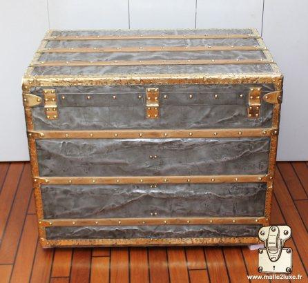 rear trunk louis vuitton explorer