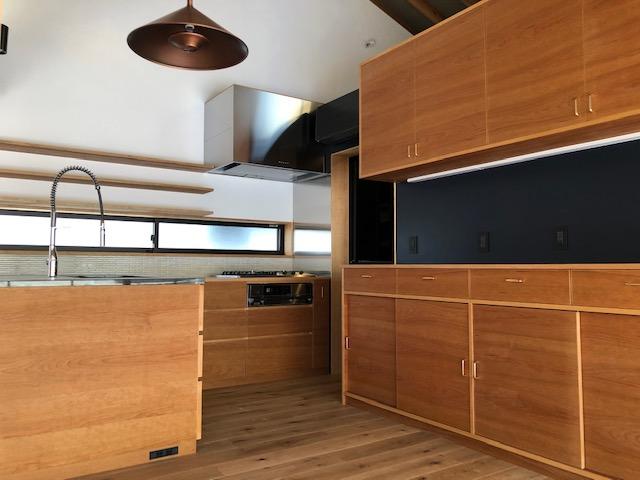 オーダーメイドの家具 木製のキッチン カップボード キッチン収納