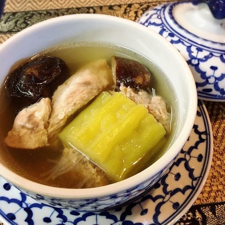 ゴーヤの肉詰めスープ「トムマラヤッサイ」