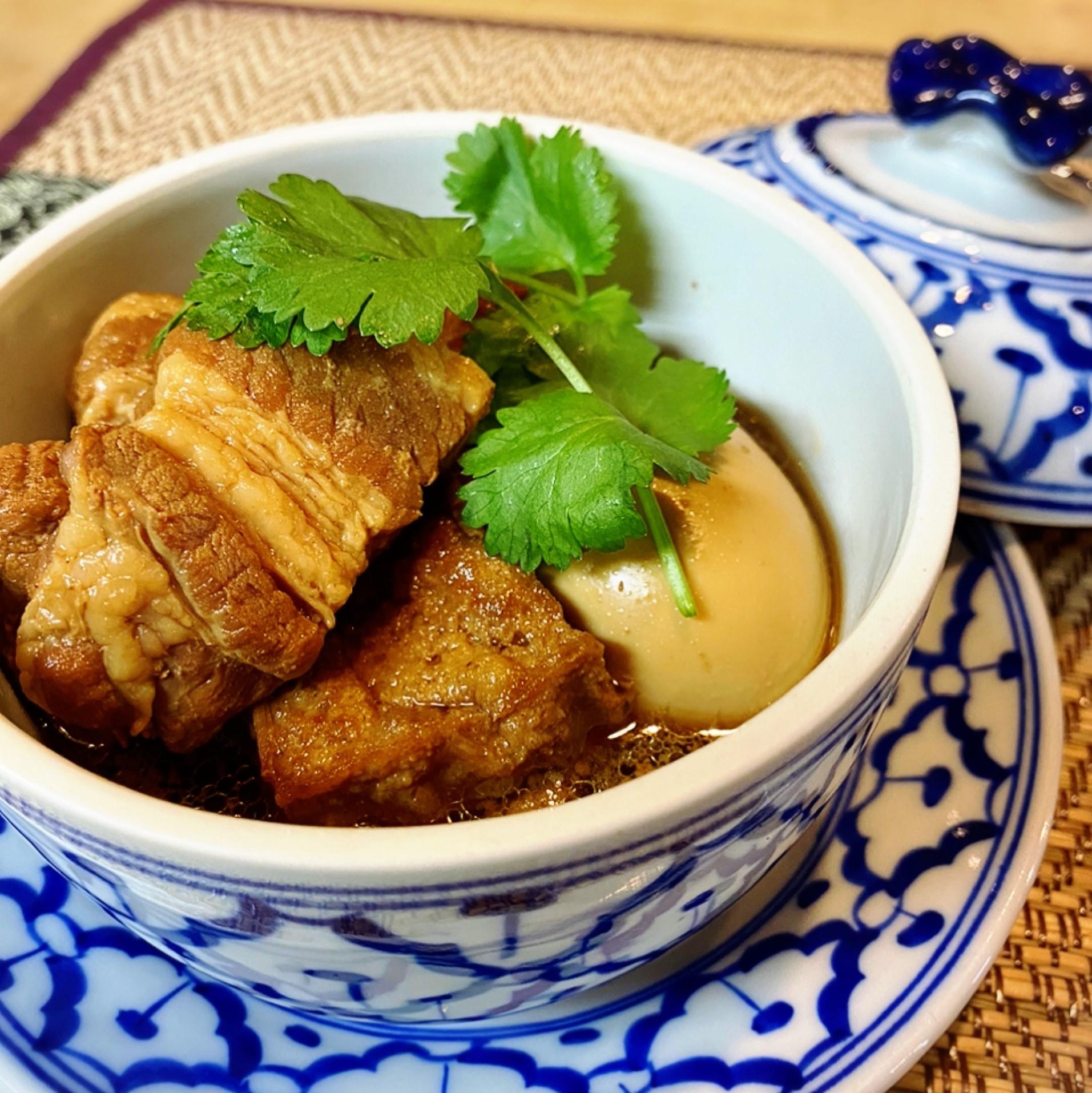 シナモン香る豚の角煮「パロー」