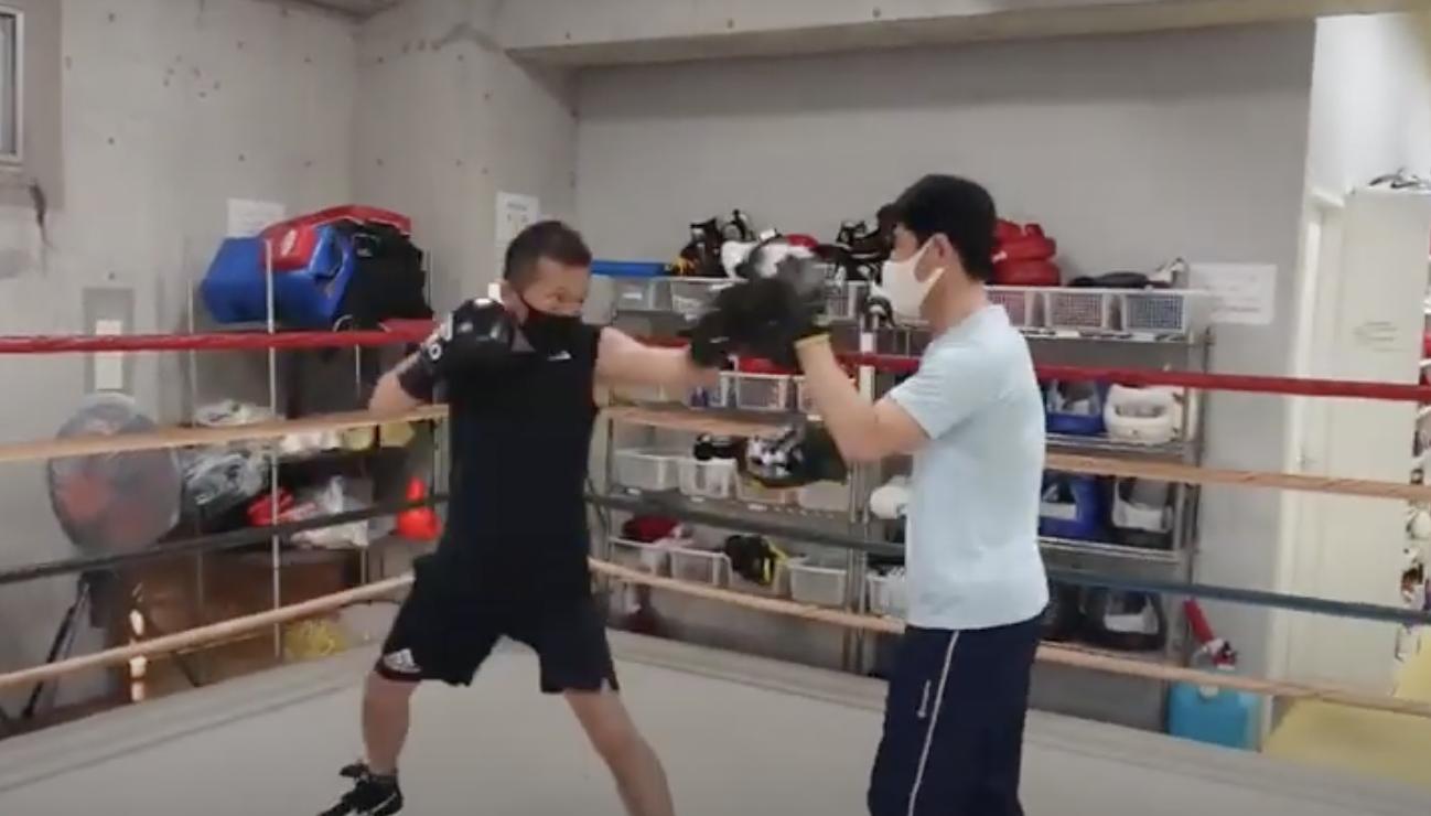 ボクシングミット打ち 練習動画