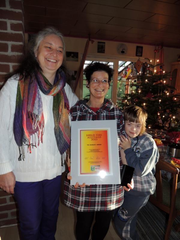 Juliane, Tina und die zwölfjährige Joy  v.l.n.r.