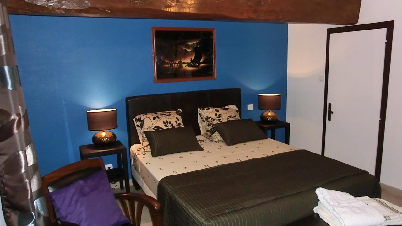 Le lit royal vous accueille avec toute son équipe pour de longues nuit au calme de la campagne de sainte severe