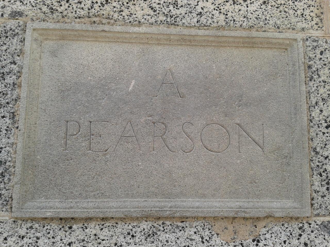 Placa del Monument a Pearson
