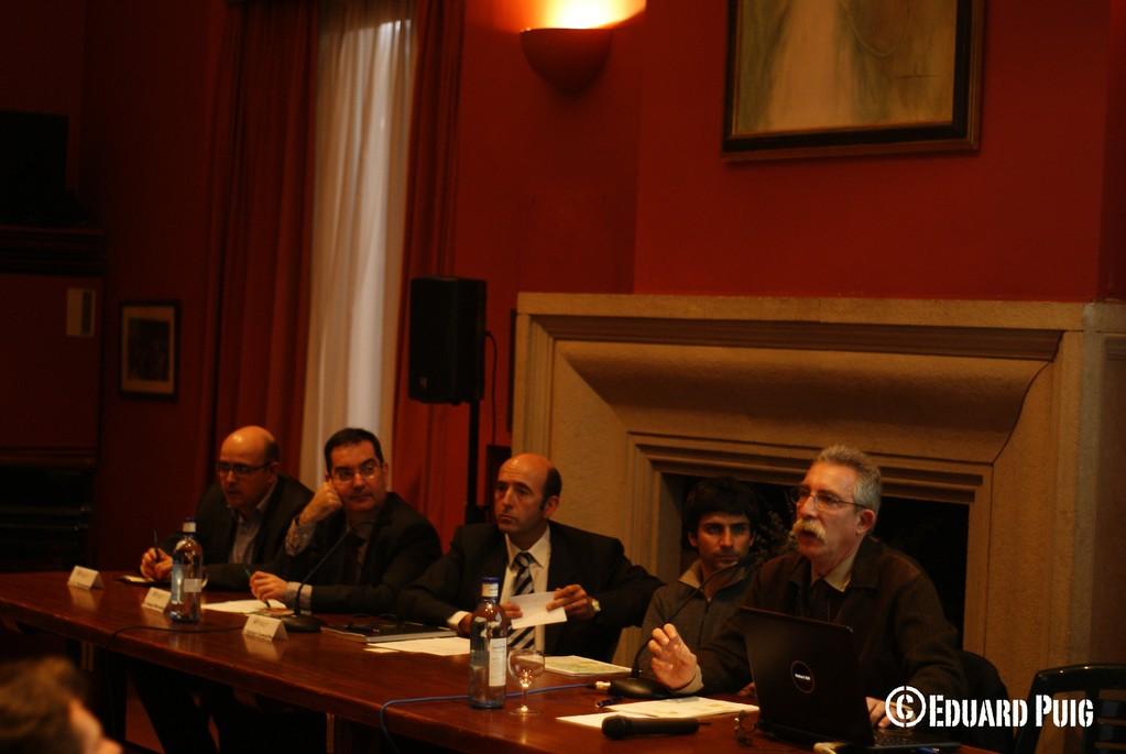 Taula: Ponents: representants de TMB, l'AVP, Mobilitat de Barcelona i Doymo