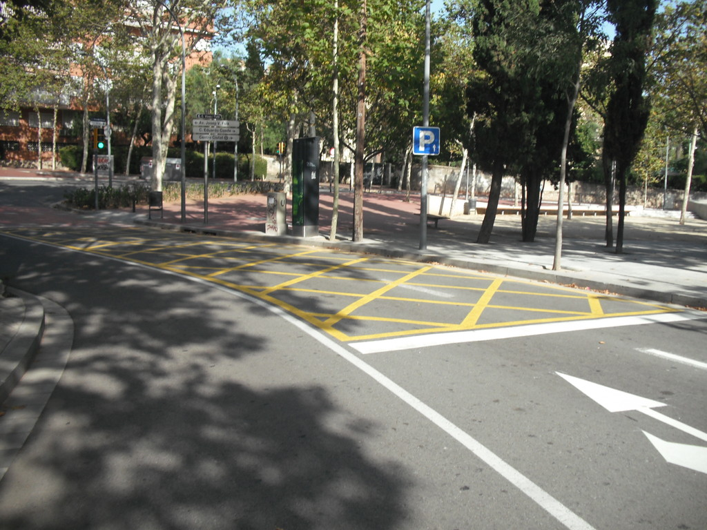 Cruïlla c/Cardenal Vives i Tutó amb c/Eduardo Conde